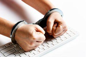 online-fraud-earns-jail1_big