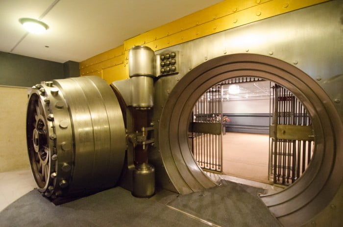 vault-bank1_big