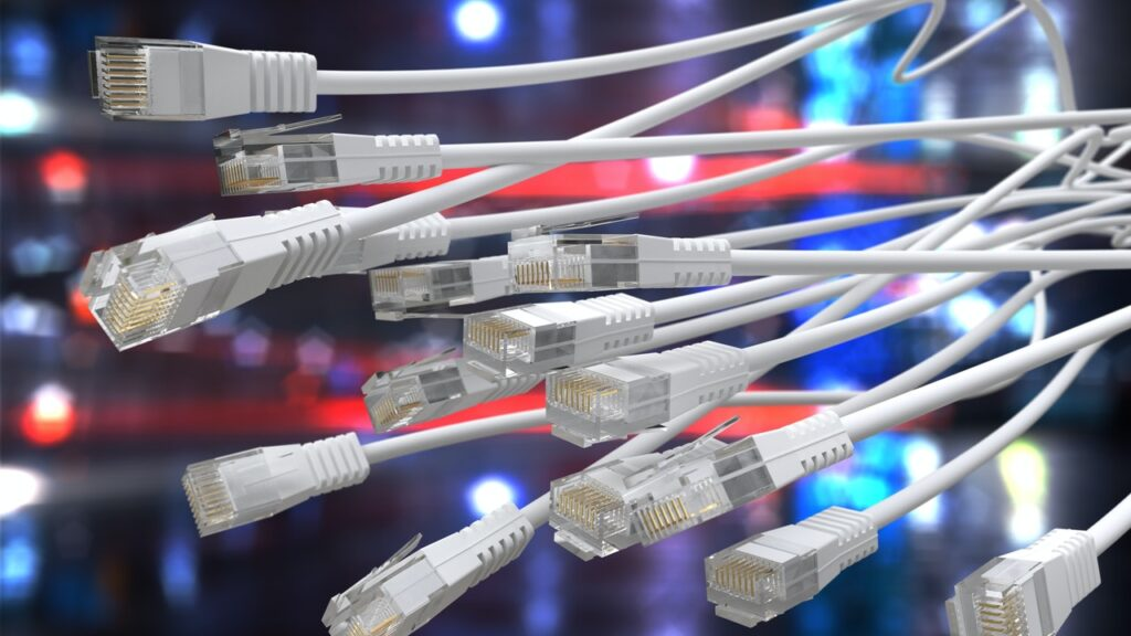 Malware w chmurze - kable sieciowe